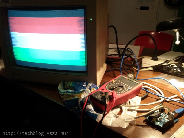 Arduino driving a CGA display to display the Hungarian flag